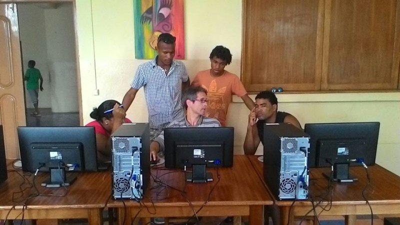 Formación de monitores locales aula Integranet 2015 (4)