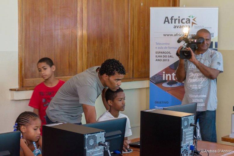 Inauguración Aula Integranet Africa Avanza 10.12.2015 (11)