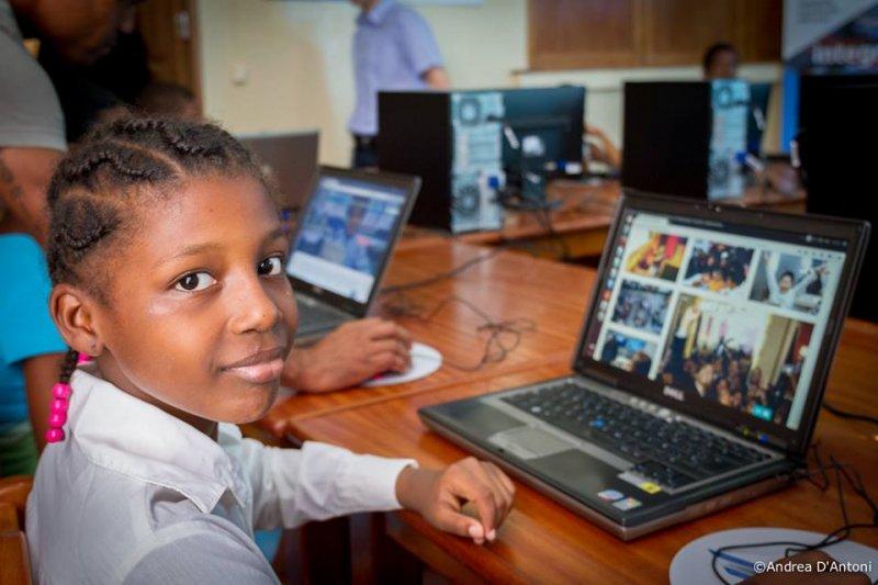 Inauguración Aula Integranet Africa Avanza 10.12.2015 (30)