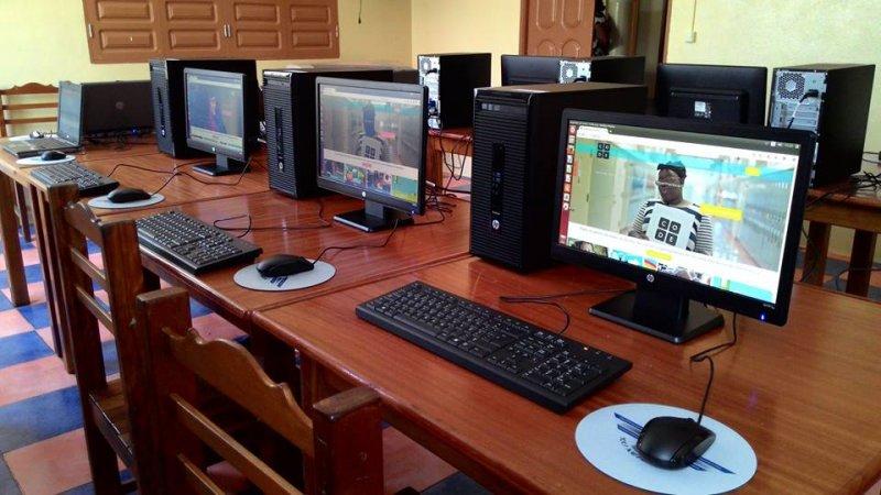 Montaje y prepapación equipos del aula Integranet 2015 (14)