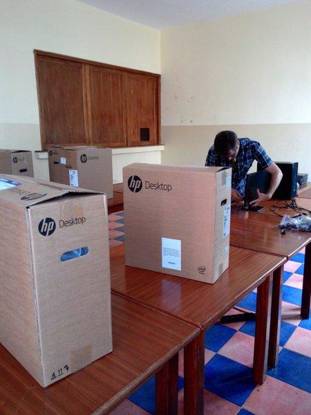 Montaje y prepapación equipos del aula Integranet 2015 (15)