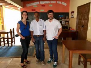 Dra. Güenaga, Dr. Moreno y Dr. Velasco en el Centro comunitario de Chá de Matias de Espargos