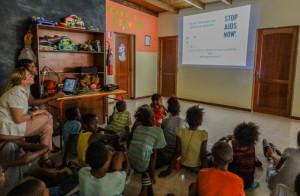 formación sobe prácticas de higiene sexual a los niños, niñas y jóvenes del Centro1