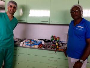 08 Ruben Lopez y Orlando con materiales de servico tecnico 23 MSCV Africa Avanza 3