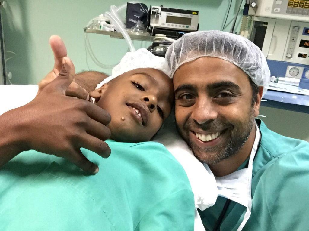 Dr. Satyen G. Mahtani en Sal