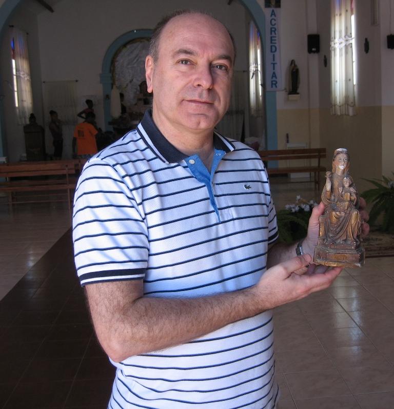 Dr. Koldo de Pérdigo con la Amatxu de Begoña en el año 2013